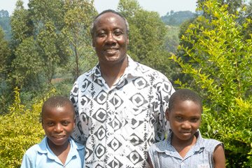 Hamlet with two boys at Nyakabungo